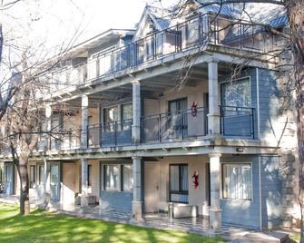 Atelier Hotel de Charme - Villa General Belgrano - Edificio