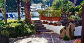 B&B Villa Cinque Pini - Ischia - Θέα στην ύπαιθρο