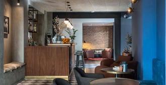 C-Hotels Diplomat - Florence - Front desk