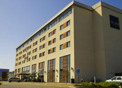 Village Hotel Swansea - Swansea - Rakennus