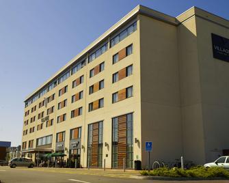 Village Hotel Swansea - Swansea - Gebäude