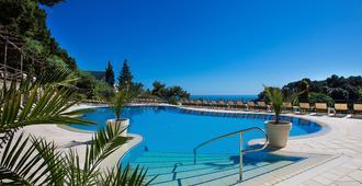 Hotel La Vega - Capri - Pool