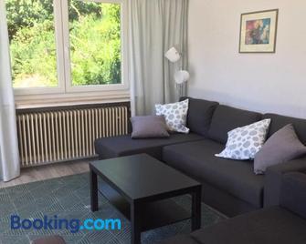 Ferienwohnung (70 qm) mit fantastischem Ausblick - Detmold - Wohnzimmer