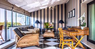 دوم بيدرو ليزبوا - لشبونة - غرفة معيشة