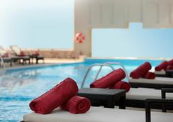 Media Rotana - Dubai - Pool