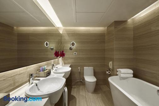 曼谷龍馬大飯店 - 曼谷 - 浴室