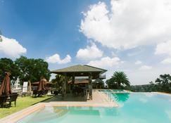 Vista Tala Resort & Recreational Park - Samal - Piscina
