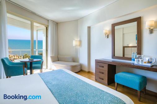 Golden Tulip Golden Bay Beach Hotel - Ларнака - Балкон