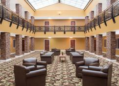 Ramada by Wyndham Elko Hotel at Stockmen's Casino - Elko - Hol