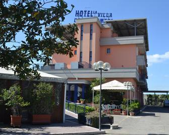 La Villa dei Gourmets - Фоджія - Building
