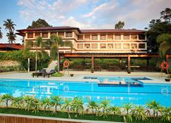 熱帶酒店 - 達弗澳 - 達沃 - 游泳池