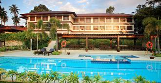 Hotel Tropika - Thành phố Davao