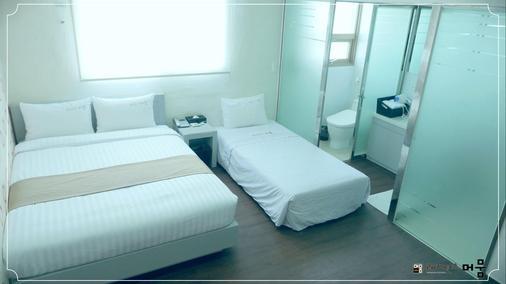 Residence Mumum Hotel - Μπουσάν - Κρεβατοκάμαρα