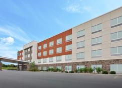 Holiday Inn Express & Suites Parkersburg East - Parkersburg - Edificio