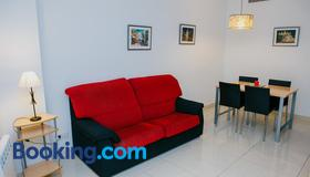 Apartamentos Navas - Barcelona - Stue