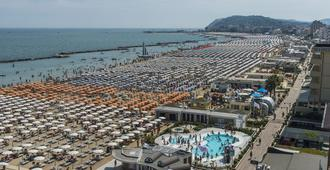 Hotel Baia Marina - Cattolica - Bâtiment