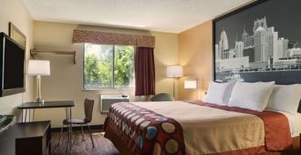 Super 8 by Wyndham Taylor/Detroit Area - Taylor - Bedroom