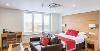 100 Kings Road by House of Fisher - Reading - Bedroom