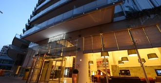 Staybridge Suites Beirut - ביירות