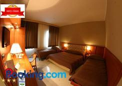 Hotel Luxor - Nápoles - Habitación
