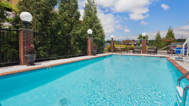 Best Western River City Hotel - Decatur - Pool