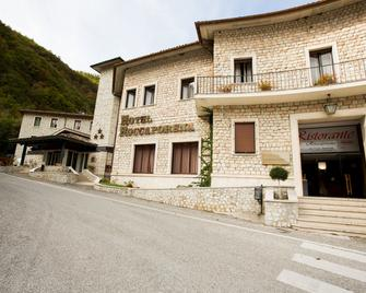 Roccaporena - Cascia - Gebouw