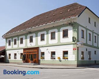 Guesthouse Tursic - Vrhnika - Gebäude