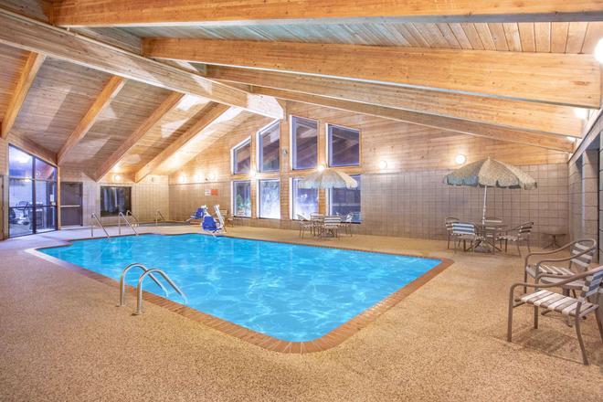 AmericInn by Wyndham Ankeny/Des Moines - Ankeny - Pool