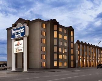 Travelodge Hotel by Wyndham Saskatoon - Saskatoon - Building