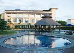 瑞雅婆羅洲班格爾馬辛酒店 - 馬辰 - 班賈爾馬辛