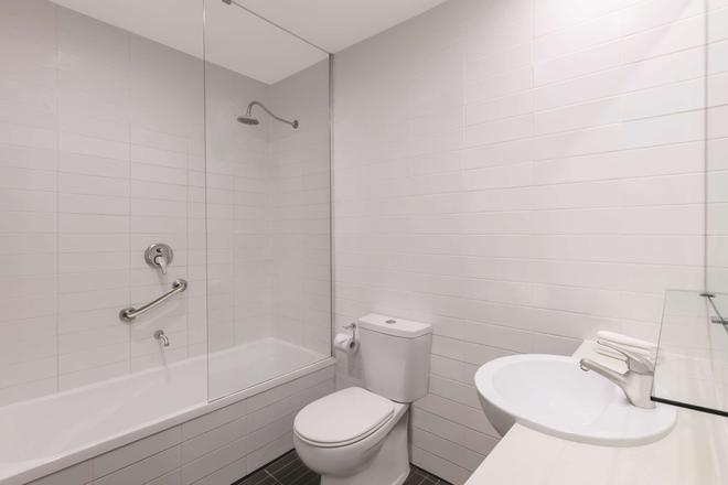 Adina Apartment Hotel Perth - Barrack Plaza - Perth - Bad