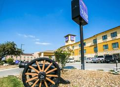 Sleep Inn and Suites Palmetto ST Park - Gonzales - Edificio