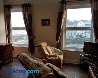 Dawlish Sea View Apartment - Dawlish - Living room