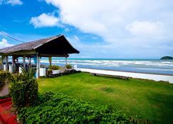 Baia Norte Beach Club Hotel - Roxas City