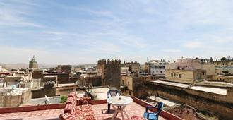 Downtown Hostel Fez - Hostel - Fez - Balcony