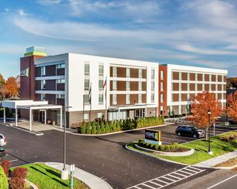 Home2 Suites by Hilton Albany Airport/Wolf Rd - Albany - Building