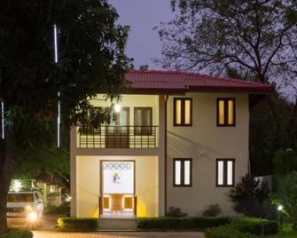 Chenra Hotel - Yala - Gebouw