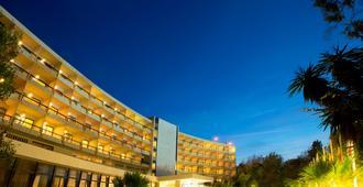 Corfu Holiday Palace Hotel - קורפו