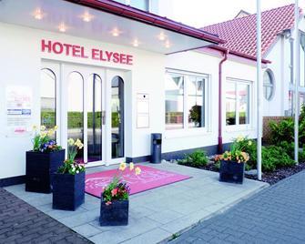 Hotel Elysee - Seligenstadt - Building