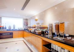 Golden Sands Hotel Apartments - Дубай - Лобби