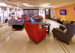 Golden Sands Hotel Apartments - Dubai - Lobby