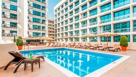 Golden Sands Hotel Apartments - Dubai - Uima-allas