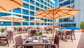 Golden Sands Hotel Apartments - Dubaï - Patio