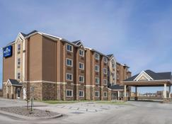 Microtel Inn & Suites By Wyndham Moorhead Fargo Area - Moorhead - Building
