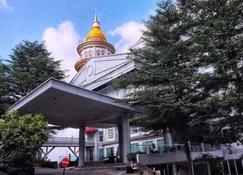 King's Hotel Nagoya Batam - Batam - Außenansicht