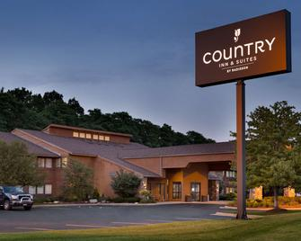 Country Inn & Suites by Radisson, Mishawaka, IN - Mishawaka - Gebouw