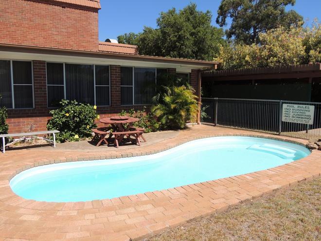 Memphis Motor Inn - Parkes - Pool