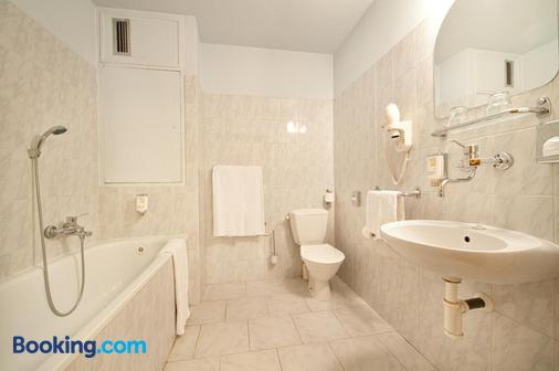 Hotel Henrietta - Prague - Bathroom