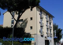 Hotel Roma - Pisa - Edificio