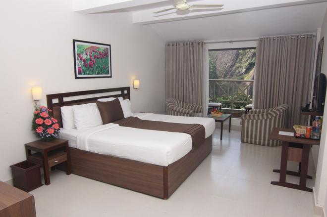 Abad Copper Castle - Munnar - Bedroom